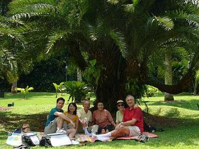 picnic_at_botanical_garden.JPG